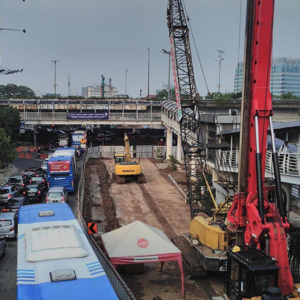 Imbas Pembangunan Underpass, Ini Kondisi Lalin di Simpang Kuningan