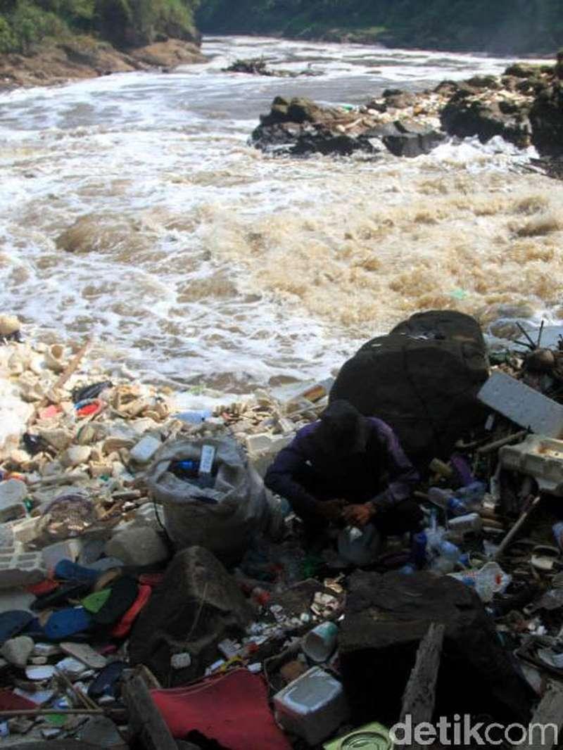 Kata Dinas Lingkungan Hidup Bandung Soal Air Terjun Jompong Beracun