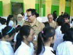 Orang Tua Siswa Sekolah Bhinneka: Jangan Ada Pemecatan Guru Lagi