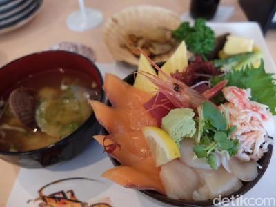 Alhamdulillah, Makan Seafood Lezat dan Halal di Hokkaido