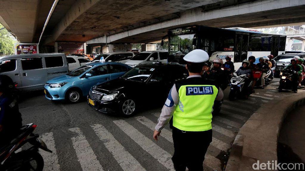 Jangan Asal Ngebut, Ini Aturan Batas Kecepatan di Jalan Raya