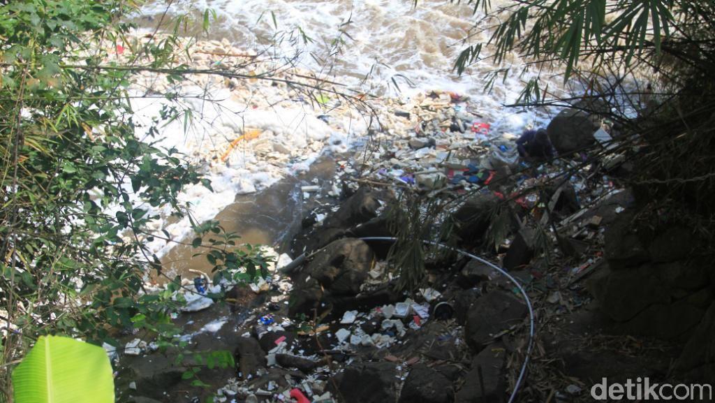Respons DLH Jabar soal Kondisi Air Terjun Jompong Beracun
