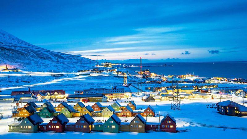 Foto: Kepulauan Svalbard di Norwegia terbilang unik, karena wanita dilarang melahirkan di sana. Diketahui, itu adalah salah satu peraturan yang ada di sana (Bas van Oort/BBC Travel)