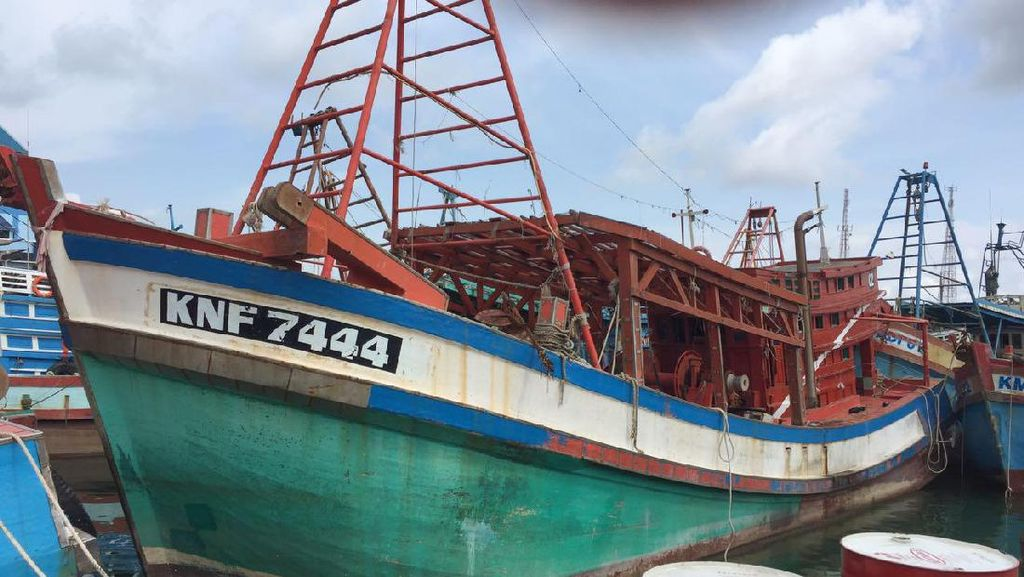 Lelang Kapal Pencuri Ikan Dibatalkan, Peserta Kecewa