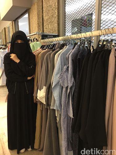 Mengenal Desainer Berniqab Diana Nurliana, Awali Karier Sebagai Pedagang ITC