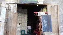 Pedagang Garam di Pasar Legi Solo Keluhkan Pasokan Menipis