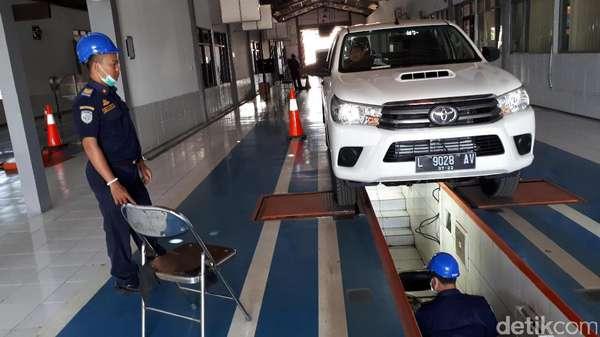 Tarif dan Kuota Tak Diatur, Driver Taksi Online: Bisa Merugikan