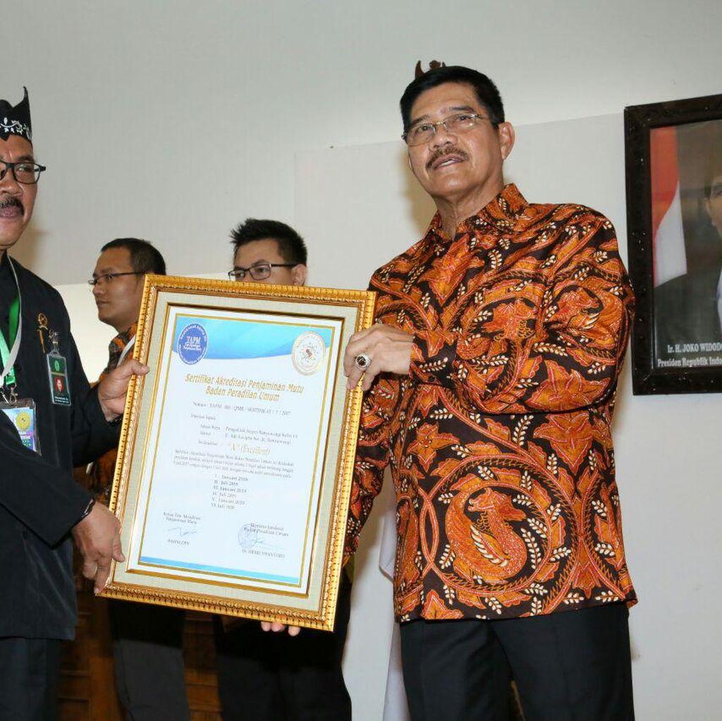 MA Beri Sertifikat Penjamin Mutu kepada PN dan PT di Indonesia