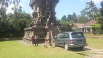 Mengenal Candi Kidal di Malang yang Diseruduk Mobil