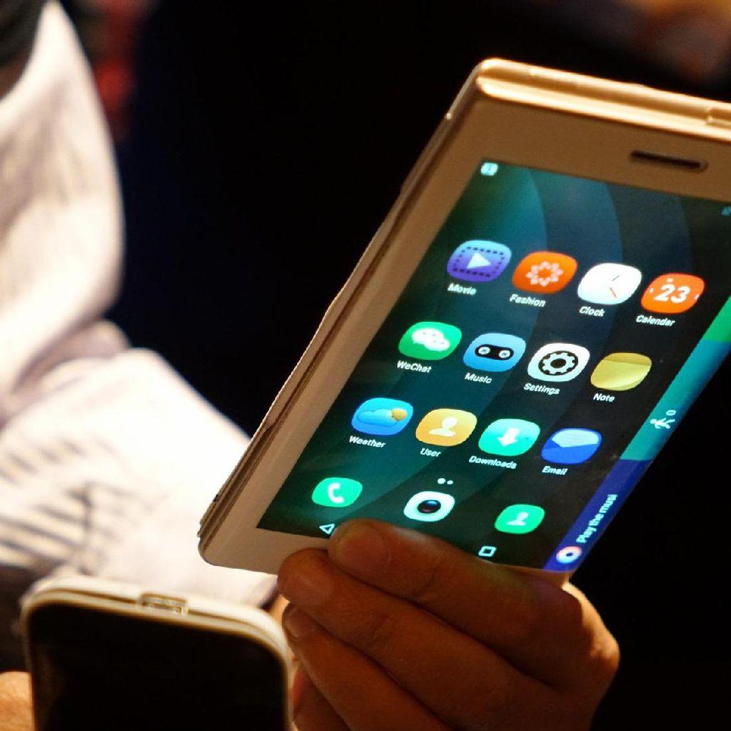 Canggih, Tablet Ini Bisa Dilipat Menjadi Ponsel