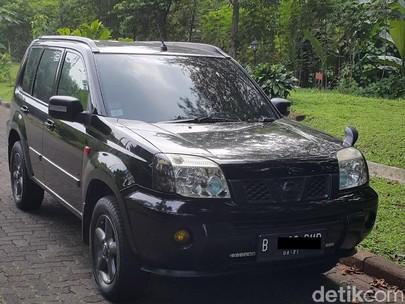 Nissan X-Trail 2006 Black Phantom