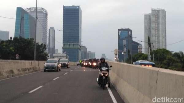 Angin di JLNT Casablanca Kencang, Bahaya Dilintasi Motor