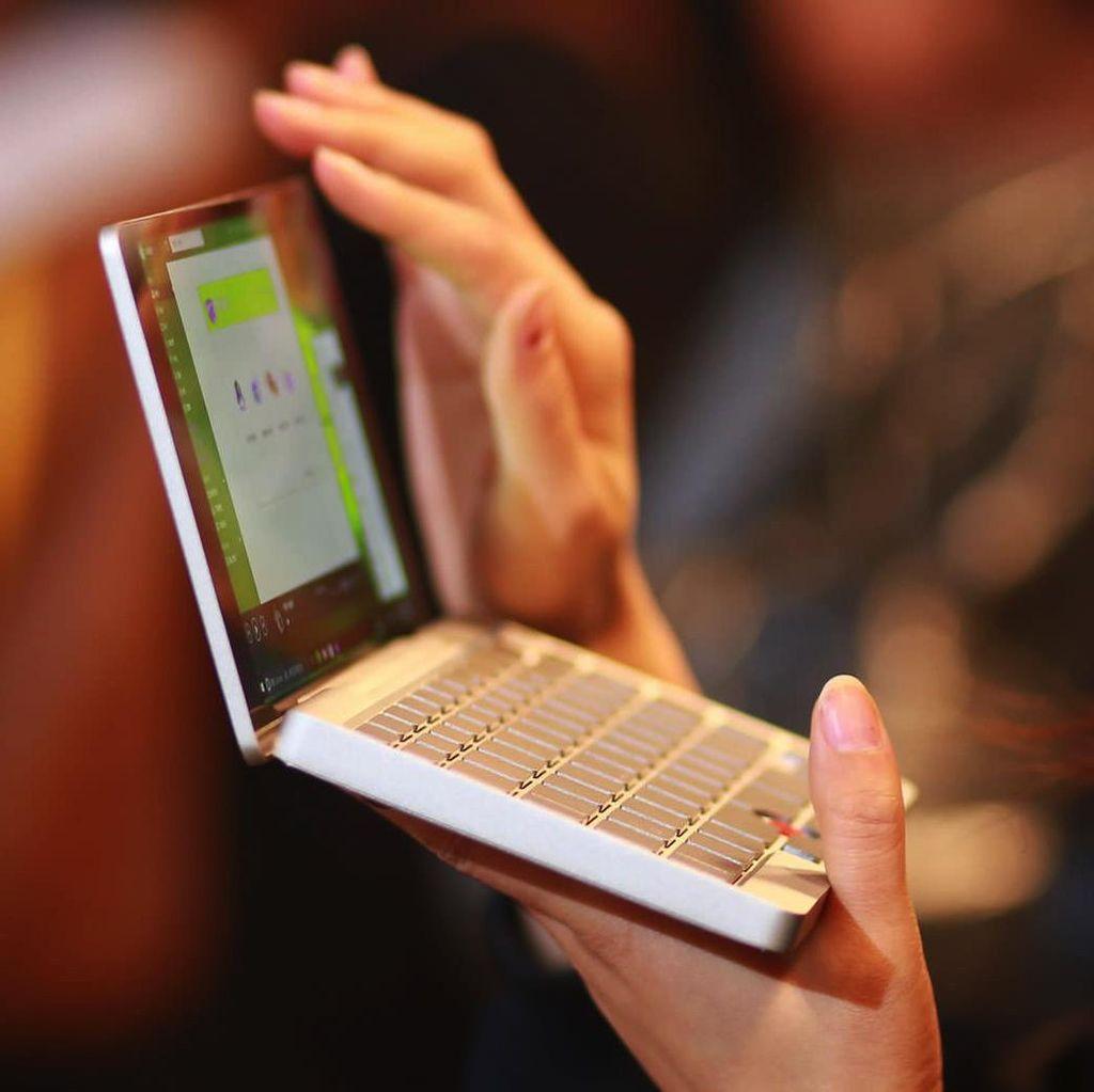 Beragam Gaya Laptop Terkecil di Dunia