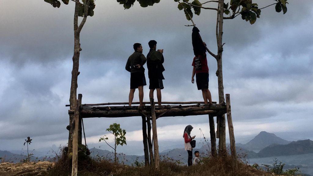Manikmati Pagi di Bukit Banyon Trenggalek Jawatinut