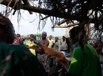 Tradisi Berdarah Pemujaan Dewa Besi di Nigeria