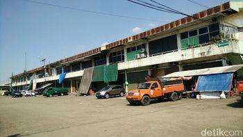 Pasar Induk Beras Cipinang Sepi