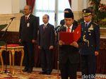 Jokowi Lantik 14 Anggota Badan Pengelola Keuangan Haji