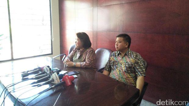 Pengacara Elza Syarief memberikan keterangan pers, Rabu (26/7/2017)