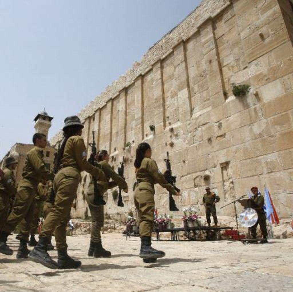 Puluhan Pemukim Israel Duduki Gedung Sengketa di Hebron