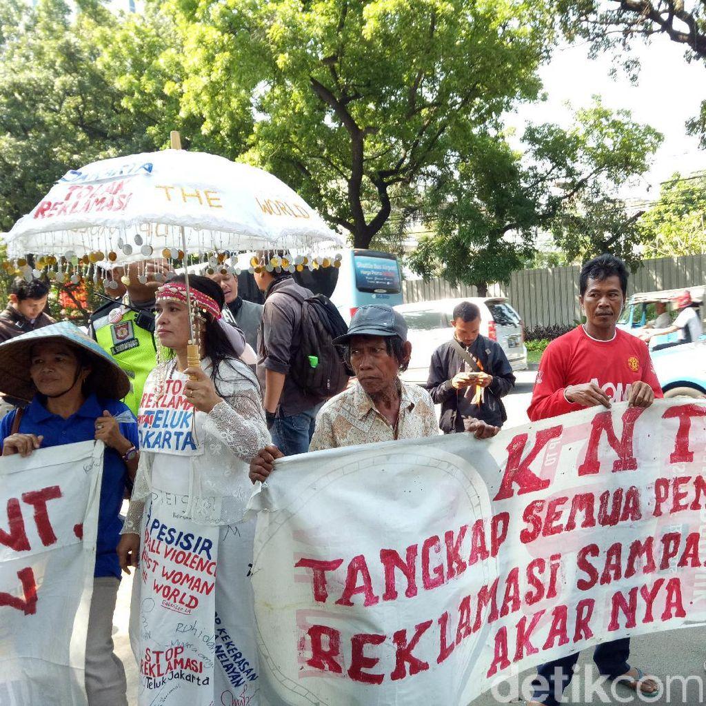 Tolak Reklamasi, Aliansi Nelayan Gelar Demo di Gedung DPRD DKI