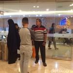 Jemaah Umrah First Travel Berbondong-bondong Kembalikan Koper