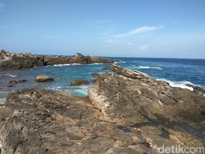 Dipenuhi Batu Karang Raksasa, Ini Spot Foto Kece di Aceh