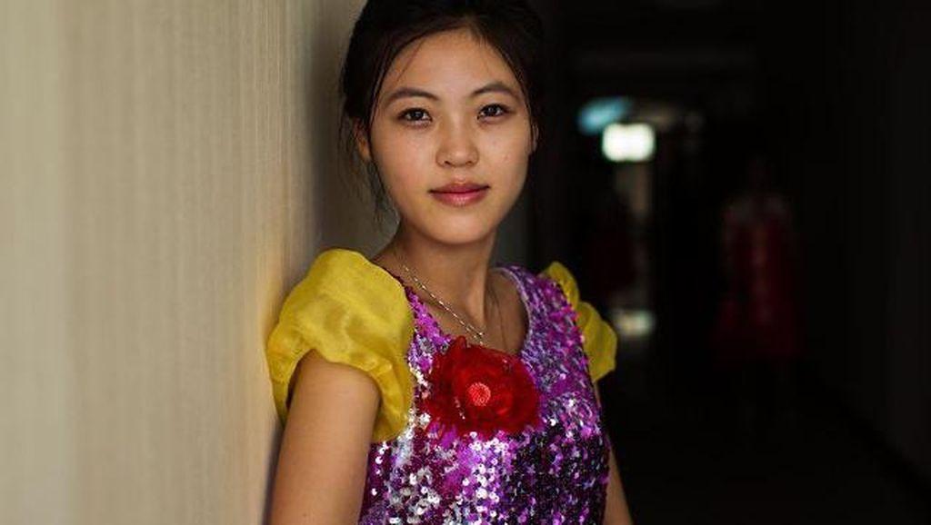 Pesona Kecantikan Misterius Wanita Korea Utara
