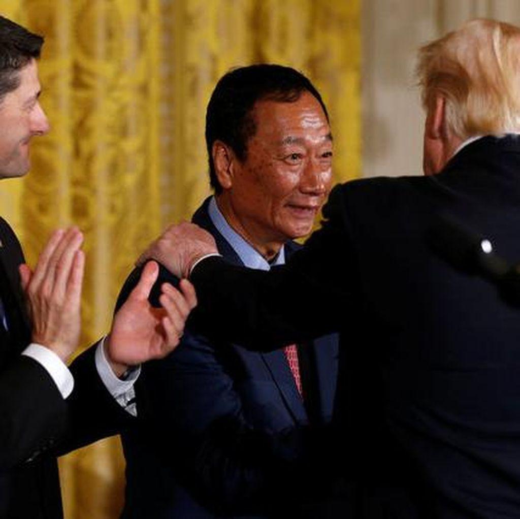 Donald Trump Semringah Bos Foxconn Janjikan Rp 130 Triliun