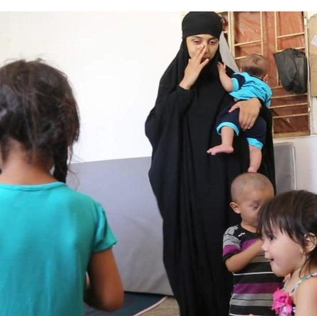Istri-istri ISIS: Mengapa Saya Bergabung dengan Kekhalifahan di Raqqa