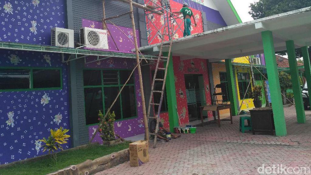 Wow..Kantor Pemerintah di Situbondo Dicat Motif Batik
