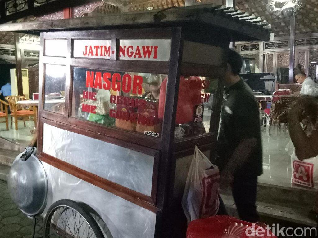 Sebelum Ngobrol, SBY-Prabowo akan Santap Nasi Goreng