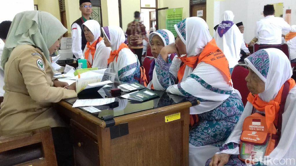 Kloter Perdana dari Banjarnegara Tiba di Embarkasi Haji Boyolali