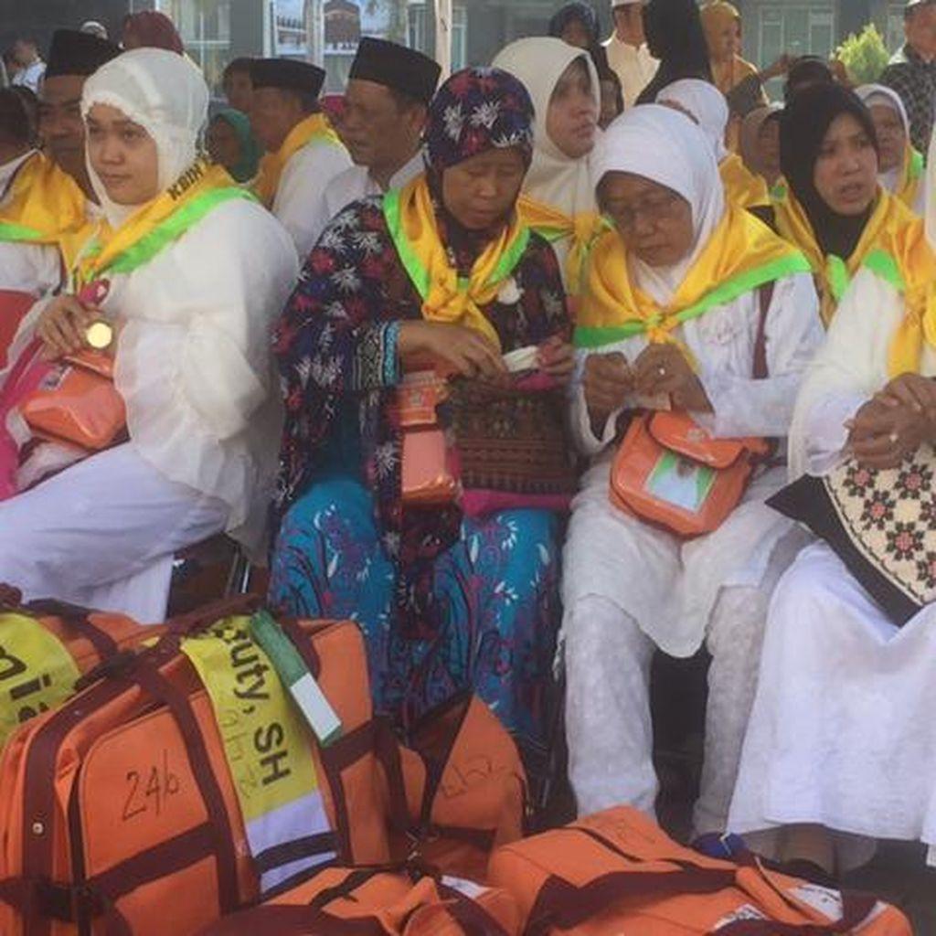 450 Calon Haji Embarkasi Makassar Mulai Masuk Asrama Haji