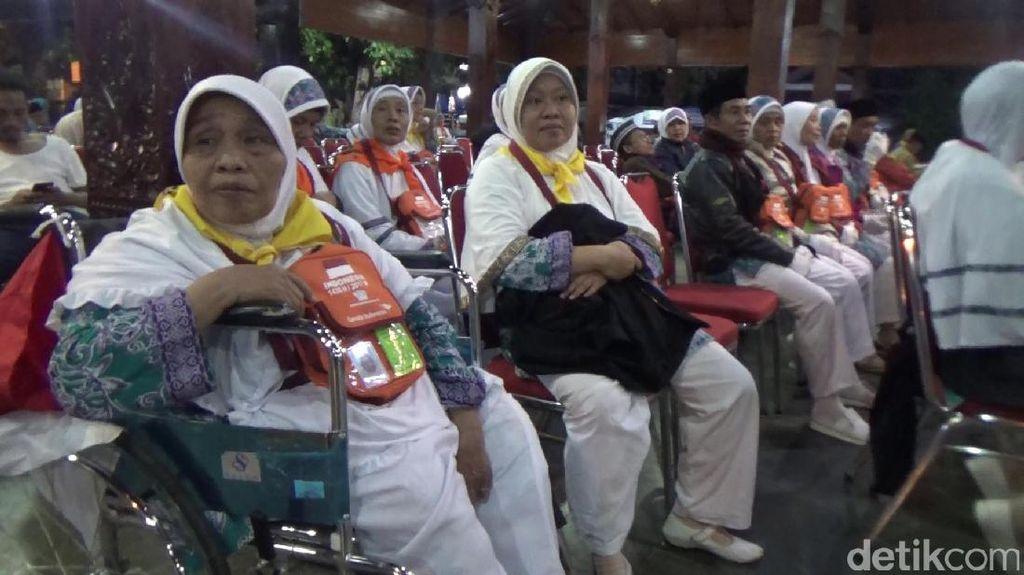 347 Calhaj Asal Banjarnegara Diberangkatkan ke Embarkasi Solo