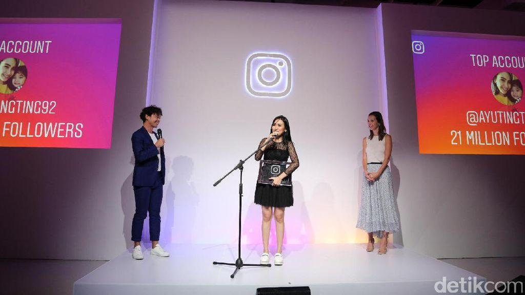 Punya Follower Banyak, Ayu Ting Ting Raih Penghargaan dari Instagram