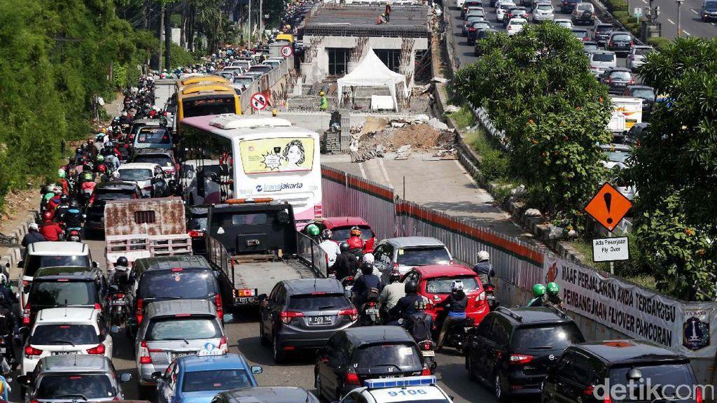 Warga Jakarta Buang 184 Jam per Tahun di Jalanan karena Macet