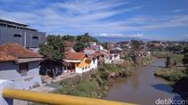 Pemkab Garut Segera Bongkar Ratusan Rumah di Bantaran Cimanuk