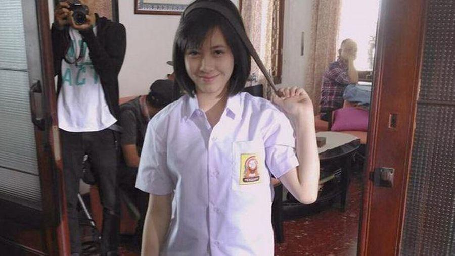 Si Manis Adhisty Zara, Pemeran Disa di Film 'Dilan'