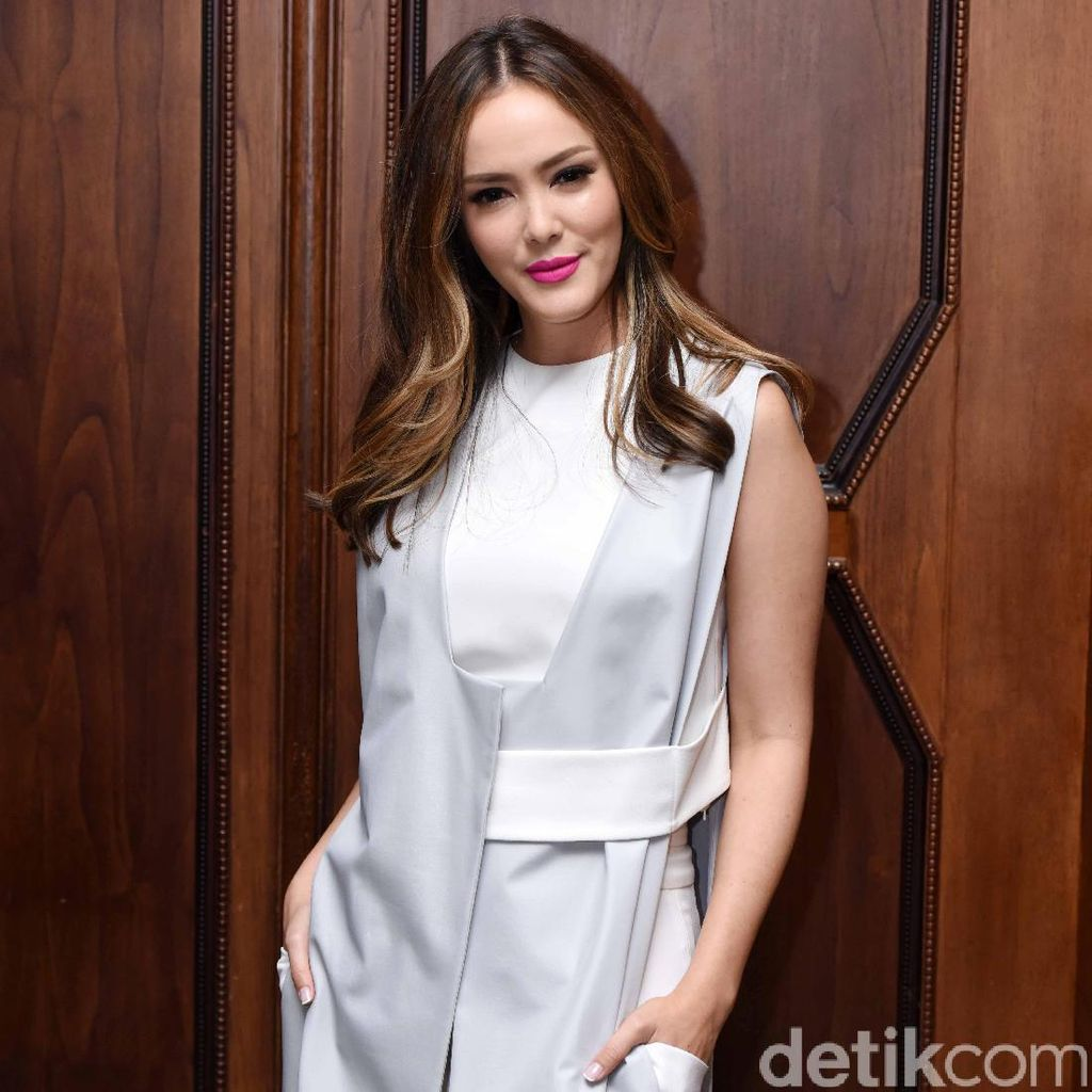<i>Independent Women</i>! Cathy Sharon Geluti Bisnis Kosmetik