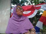 Kisah Pasutri Lansia Penjual Bendera Merah Putih di Surapati Bandung