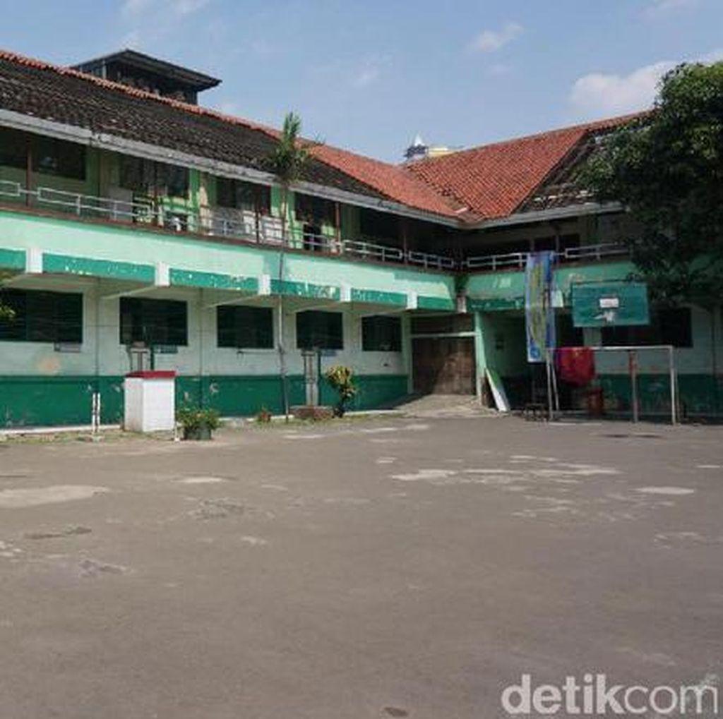 Penghuni Kawasan Sekolah Pinangsia Bakal Direlokasi ke Rusun Cakung