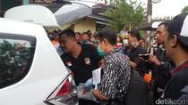 2 Mayat di Dalam Mobil dan Tergantung di Dapur Pasangan Suami Istri