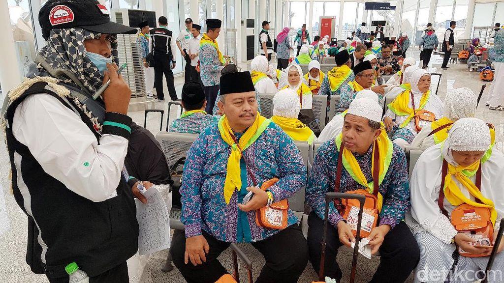 Jemaah Haji Indonesia Tiba Perdana di Madinah