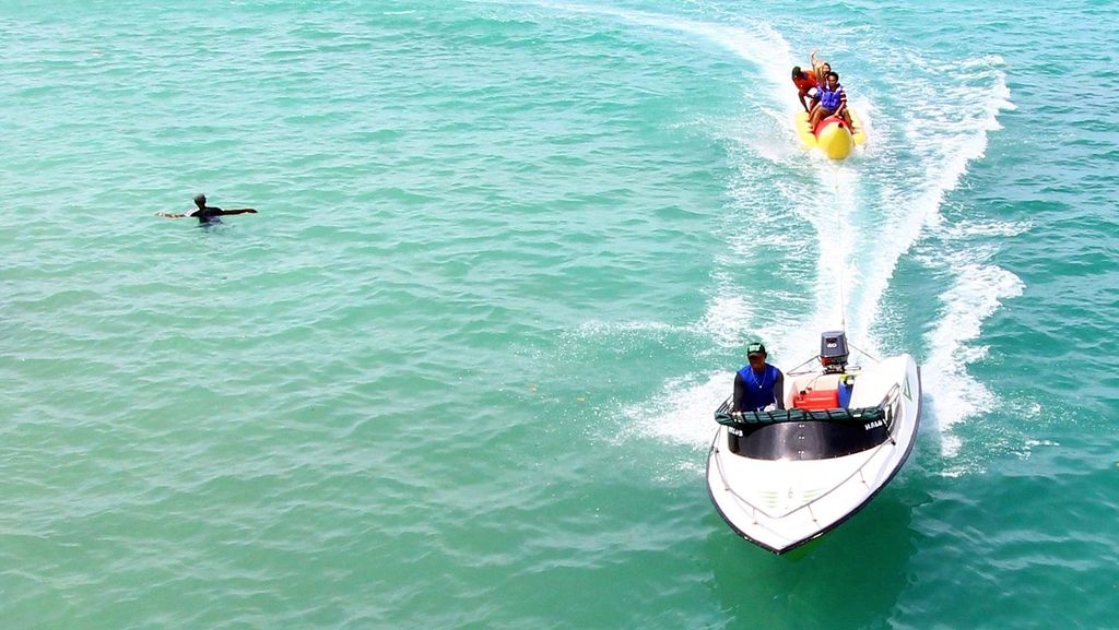Keseruan Banana Boat Pulau Tidung