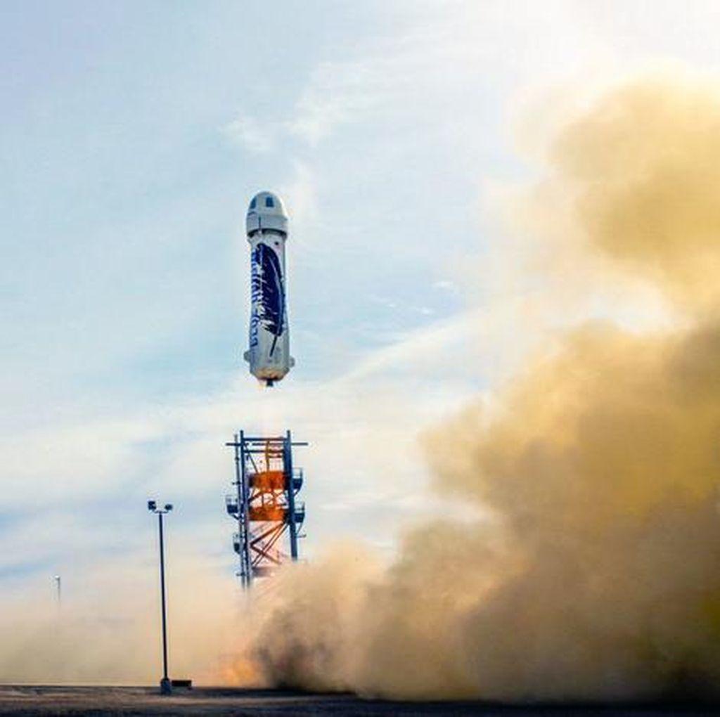 Blue Origin Impikan Semua Orang Bisa Rekreasi ke Langit