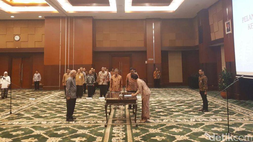 Amankan APBN dan Pasar Keuangan, Sri Mulyani Lantik Dua Staf Ahli