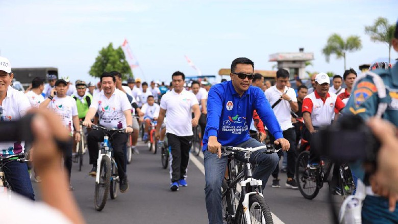 Menpora Hadiri Gowes Pesona Nusantara di Manado