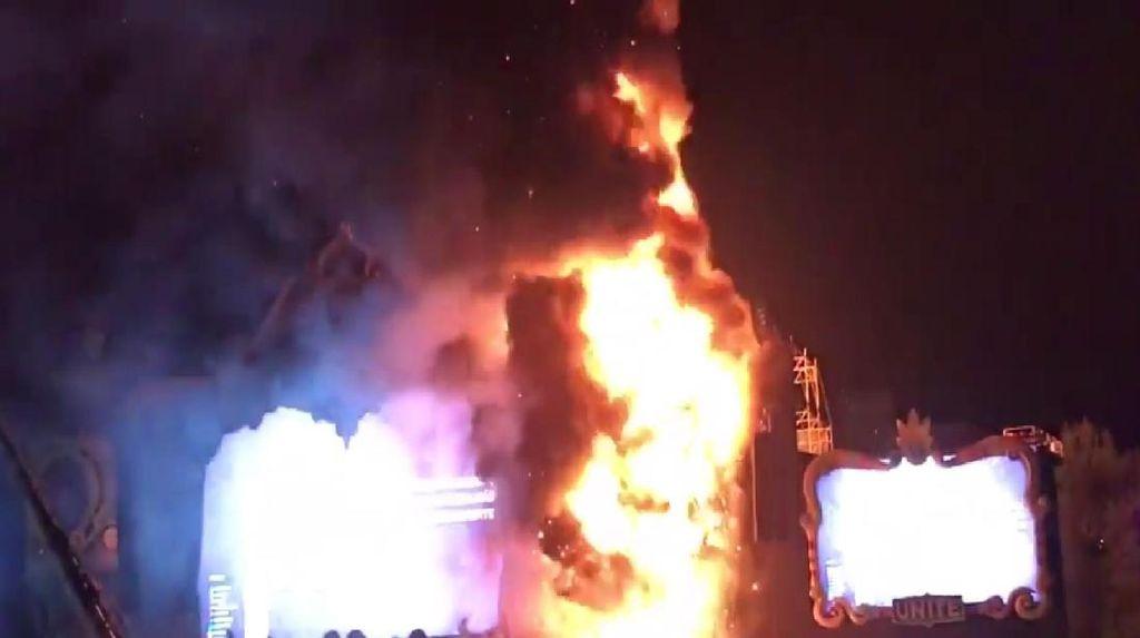 Panggung Festival EDM Tomorrowland Terbakar, 22 Ribu Penonton Dievakuasi