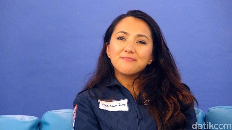 Sheista Waiz, sang pilot cantik yang tengah keliling dunia secara solo (Randy/detikTravel)