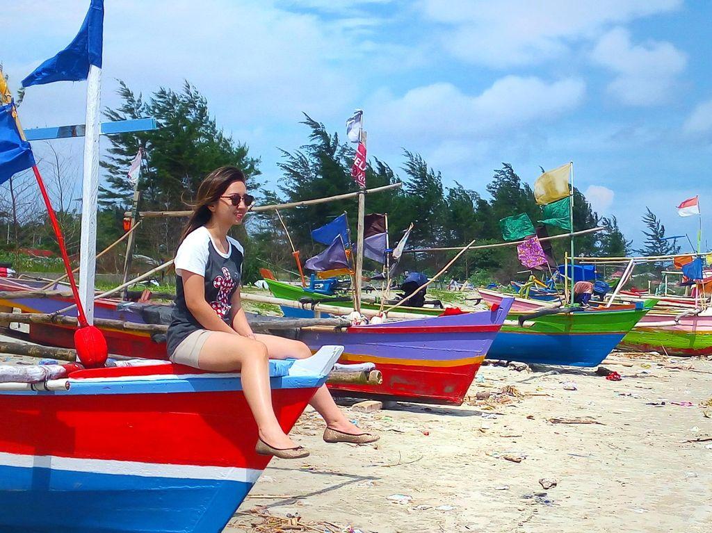 Asiknya Berlayar di Pantai Zakat